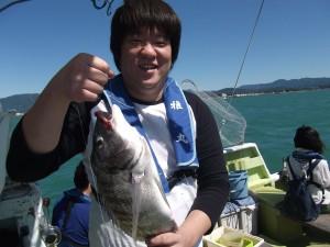 こんなデッカイ魚釣っちゃいました(コロダイ)♪3
