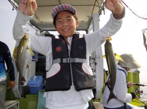 いろんな魚がいっぱい釣れたよ♪めっちゃ楽しい(๑≧౪≦)3