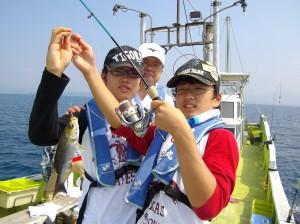 船釣りめっちゃ楽しい(๑≧౪≦)2