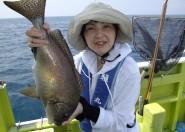 こーんなにおっきな魚が釣れました(๑≧౪≦)