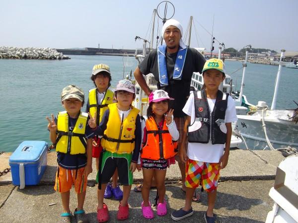昼からも出船!みんなでわいわい魚釣り(๑≧౪≦)1