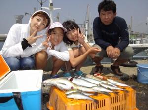 こーんなにおっきな魚が釣れました(๑≧౪≦)3
