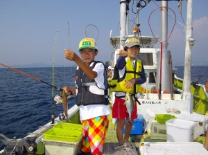 昼からも出船!みんなでわいわい魚釣り(๑≧౪≦)2