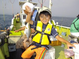昼からも出船!みんなでわいわい魚釣り(๑≧౪≦)3