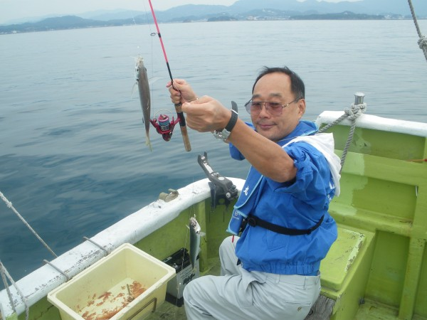アジが釣れました。潮風気持ちよかった~1